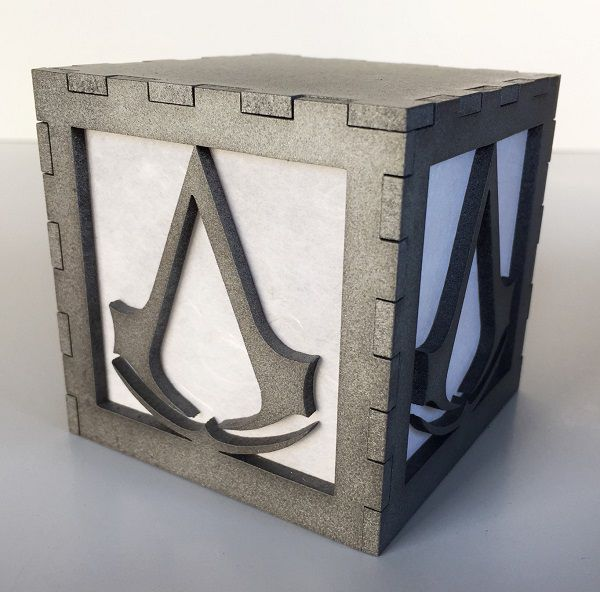 assassin-creed-logo-boite-lumiere-light-box-decoration [600 x 592]