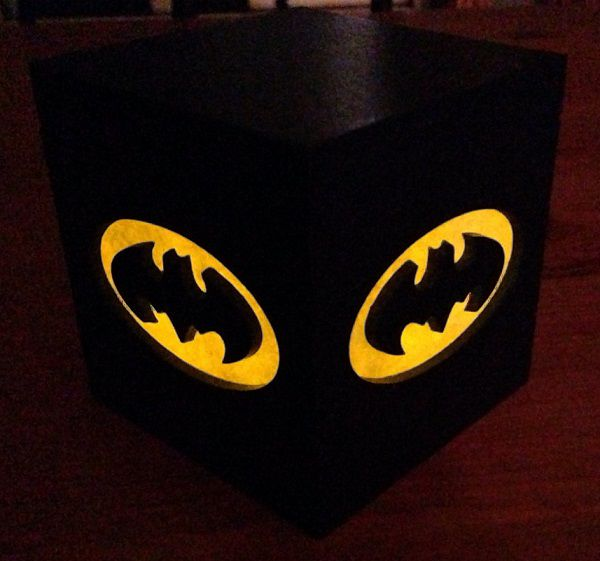 batman-classique-logo-boite-lumiere-light-box-dc-comics-decoration-2 [600 x 561]