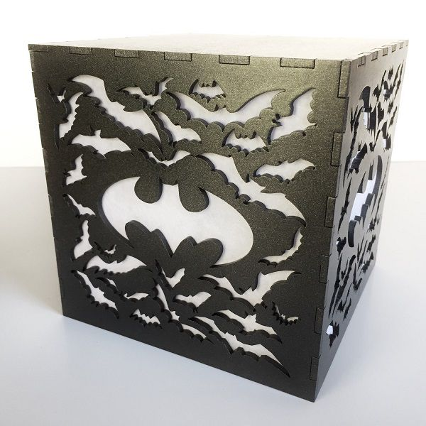 batman-logo-boite-lumiere-light-box-dc-comics-decoration [600 x 600]