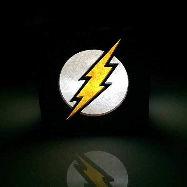 flash-logo-boite-lumiere-light-box-dc-comics-decoration-2 [600 x 600]