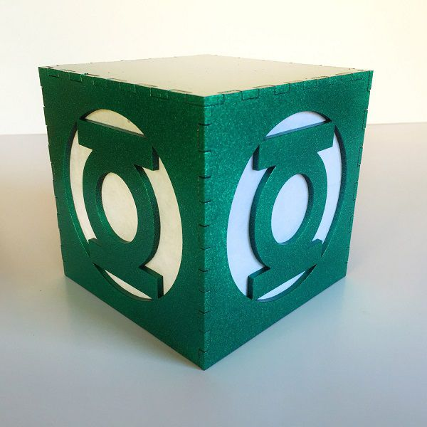 green-lantern-logo-boite-lumiere-light-box-dc-comics-decoration-2 [600 x 600]