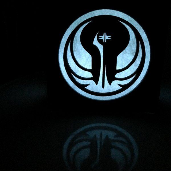 republique-galactique-logo-boite-lumiere-light-box-star-wars-decoration-2 [600 x 600]