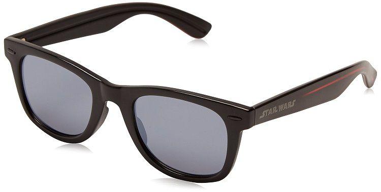 star-wars-lunettes-soleil-dark-vador-wayfarer-foster-grant [750 x 379]