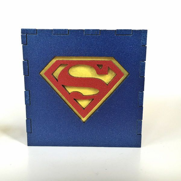 superman-logo-boite-lumiere-light-box-dc-comics-decoration [600 x 600]