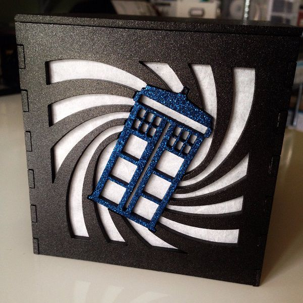 tardis-boite-lumiere-light-box-doctor-who-decoration [600 x 600]