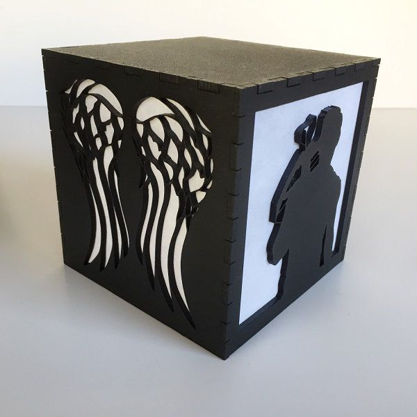 the-walkling-dead-daryl-dixon-logo-boite-lumiere-light-box-decoration [600 x 600]