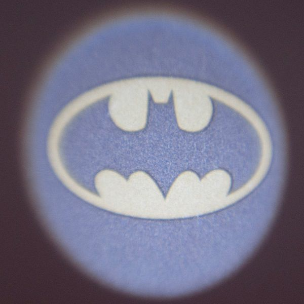 batsignal-projecteur-batman-logo-veilleuse-3 [600 x 600]