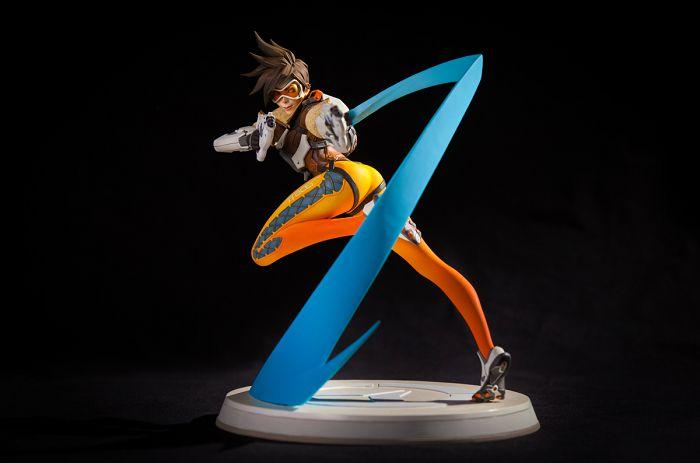 overwatch-tracer-figurine-blizzcon [700 x 463]