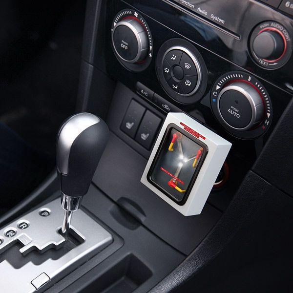 chargeur-usb-capaciteur-flux-retour-futur-auto-voiture-allume-cigare [600 x 600]
