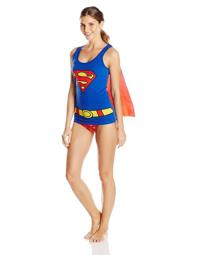 supergirl-sous-vetement-cape-t-shirt-culotte-debardeur-lingerie-dc-comics [650 x 844]