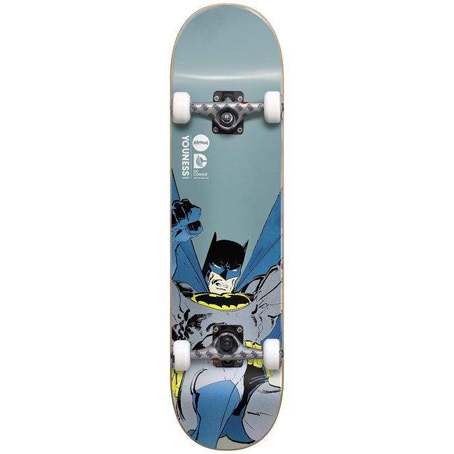 dc-comics-batman-dark-knight-skateboard-almost-planche-face-650-x-650