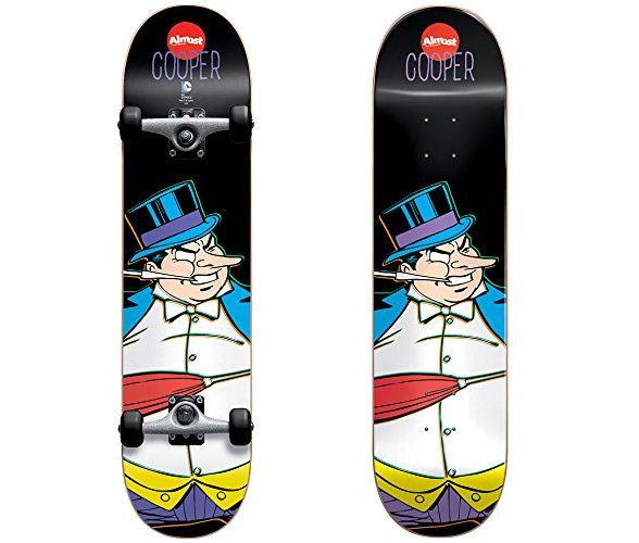 dc-comics-pingouin-skateboard-almost-planche-588-x-500