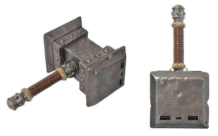 batterie-warcraft-world-marteau-orgrim-doomhammer-externe-nomade-rechargeable-700-x-437