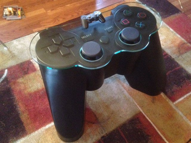 table-basse-manette-playstation-3-sony-gamepad-gaming-decoration-640-x-480