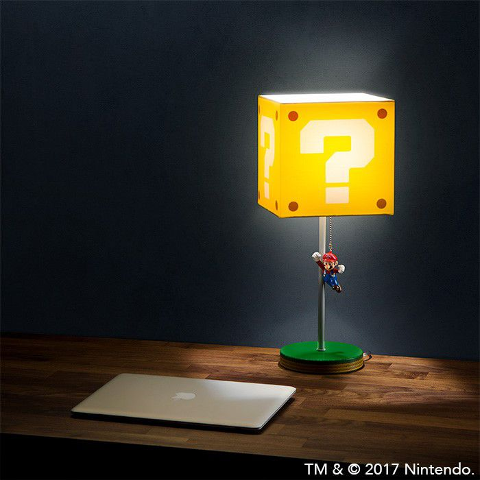 la lampe super mario avec abat jour question block. Black Bedroom Furniture Sets. Home Design Ideas
