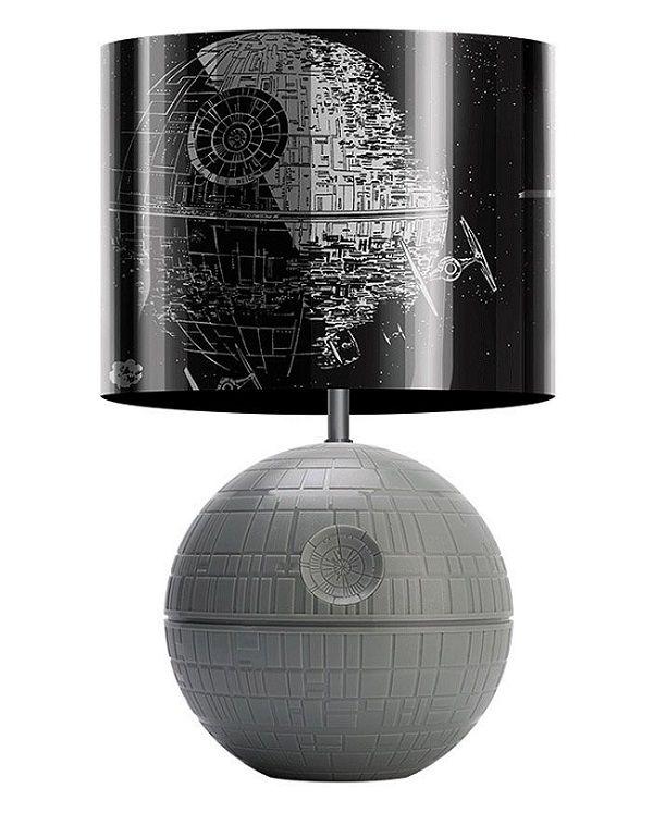 star wars une lampe 3d en forme d 39 toile de la mort. Black Bedroom Furniture Sets. Home Design Ideas