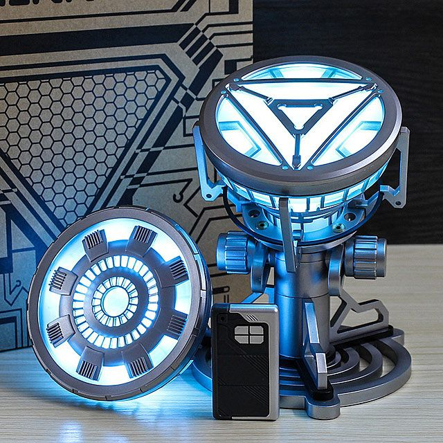 une lampe iron man en forme d 39 arc reactor. Black Bedroom Furniture Sets. Home Design Ideas