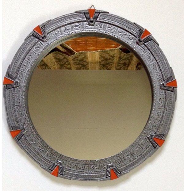 stargate le miroir en forme de porte des toiles. Black Bedroom Furniture Sets. Home Design Ideas