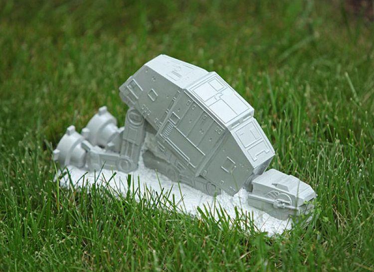 Star Wars : Un AT-AT comme nain de jardin