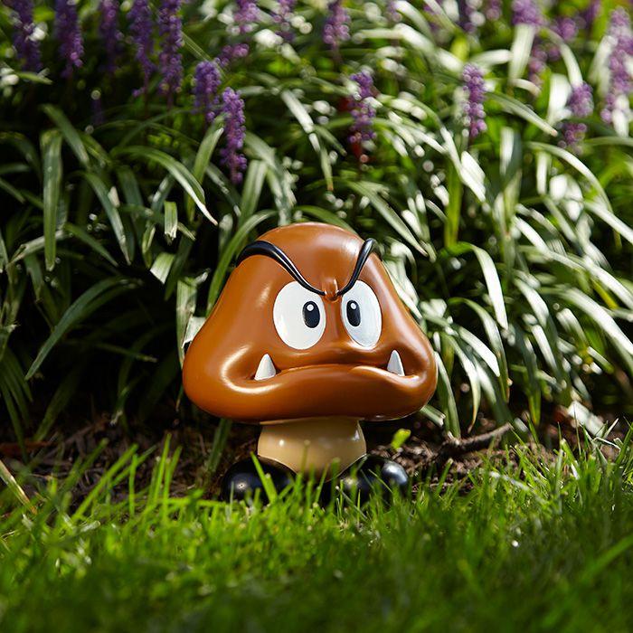 Super Mario Bros : la statue de jardin Nintendo Goomba