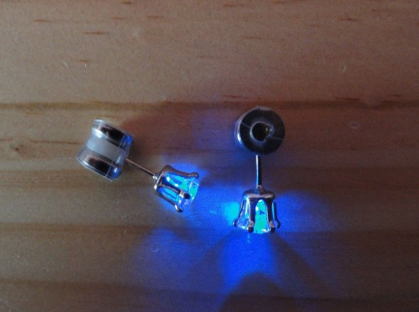 boucle-oreille-led-geekette (1)