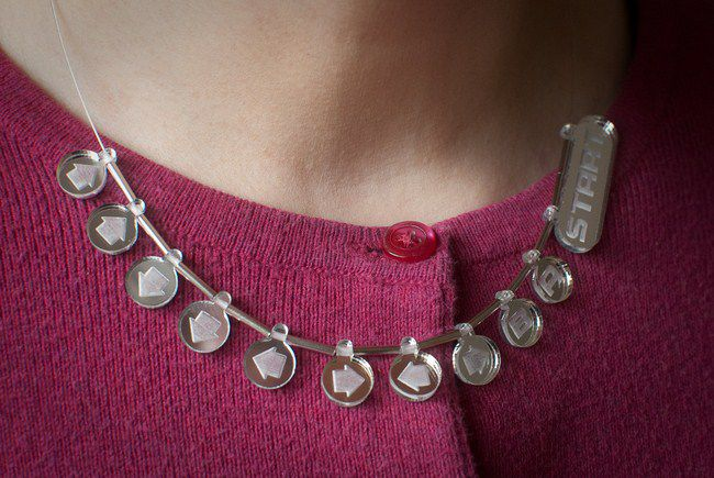 collier-necklace-konami-code-geekette-gaming-2 [650 x 435]