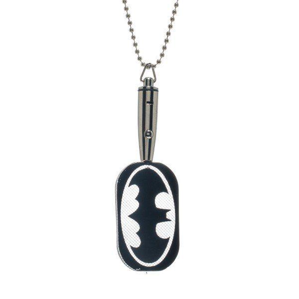 batman-led-light-up-dog-tag-pendentif [600 x 600]