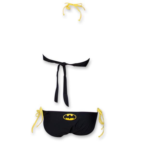 batman-monokini-swimsuit-maillot-bain-une-piece-2 [585 x 594]