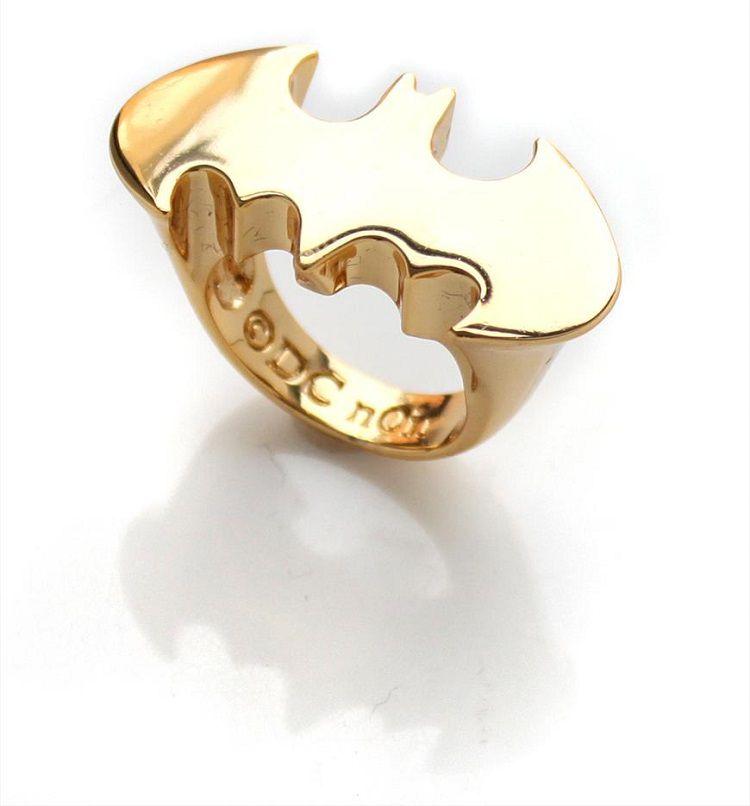 bataman-logo-gold-ring [750 x 806]