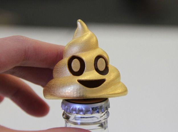 figurine-imprimante-3D-poop-emoji-bottle-opener [625 x 465]