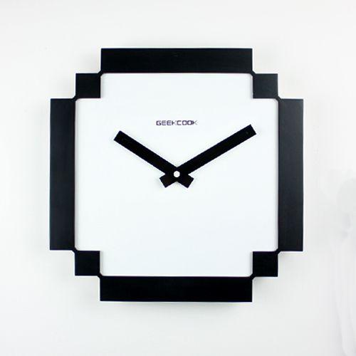 8-bit-Pixel-Wall-Clock-horloge-murale [500 x 500]