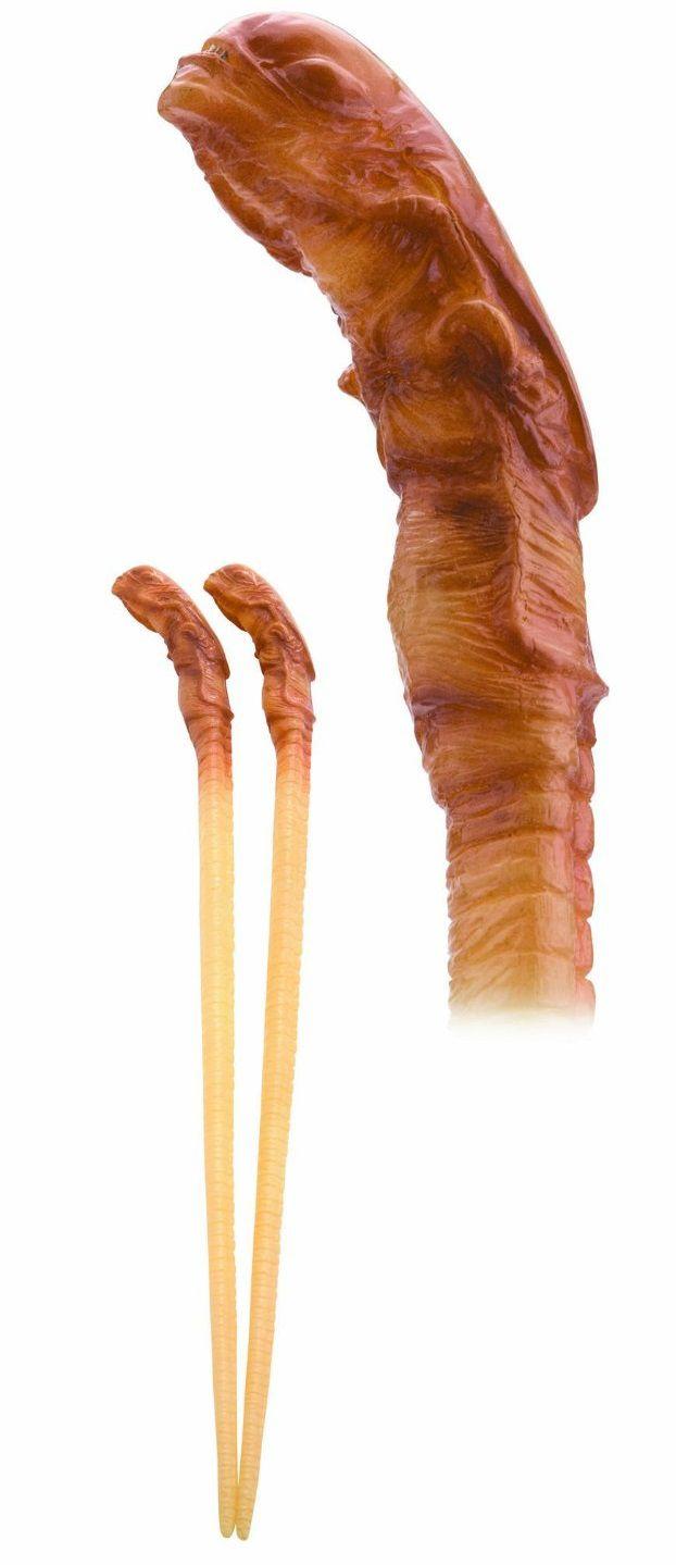 chopsticks-baguette-alien-chest-buster [622 x 1439]