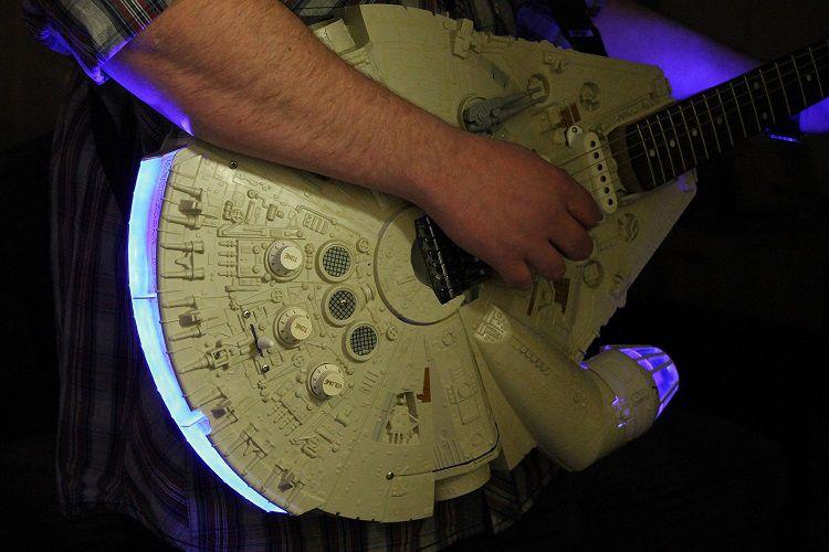 Guitare électrique Faucon Millenium - Han Solo