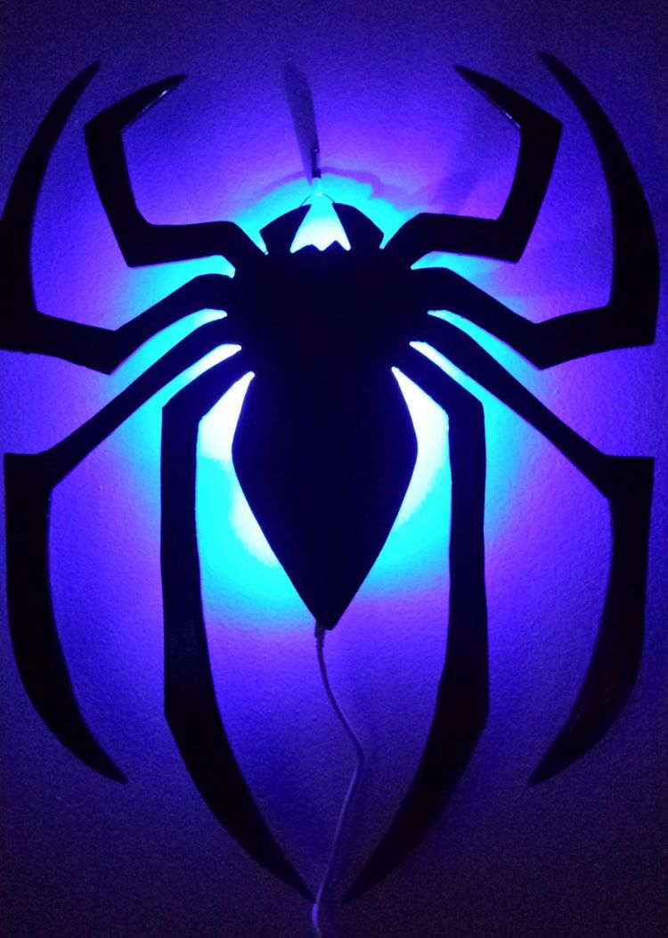 lampe-logo-spiderman-led-decoration-2 [750 x 1053]