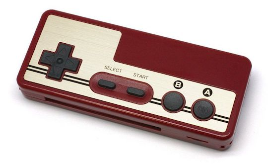retro-famicom-nintendo-controller-battery-rechargeable-card-reader-manette [540 x 330]