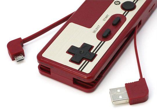 retro-famicom-nintendo-controller-battery-rechargeable-card-reader-manette [540 x 376]