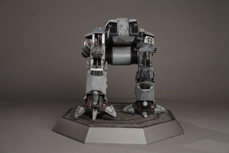 robocop-ed209-figurine-collector-phil-tippett [750 x 500]