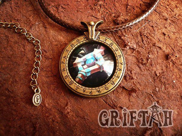 collier-pendentif-world-warcraft-pretre-necklace-pendant [600 x 450]