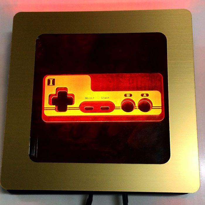 light-art-manette-pad-nintendo-nes-famicom-tableau-lumineux-led [700 x 700]