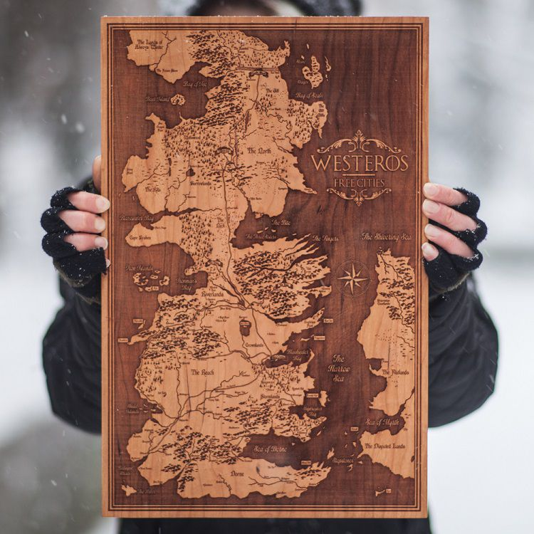 spacewolf-gravure-bois-tableau-game-of-thorne-carte-map-Westeros [750 x 750]