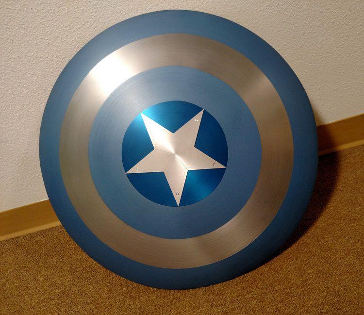 bouclier-captain-america-replique-cosplay-acier-traditionnel-bleu [750 x 649]