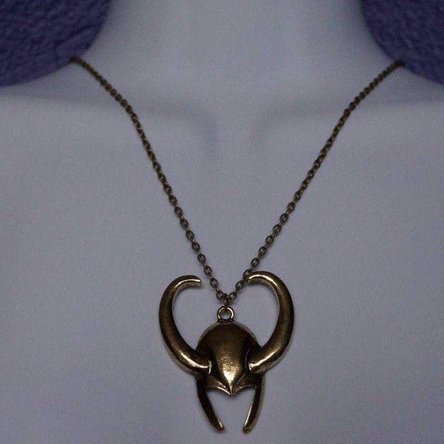 pendentif-loki-casque-collier-medaillon-avengers [640 x 640]