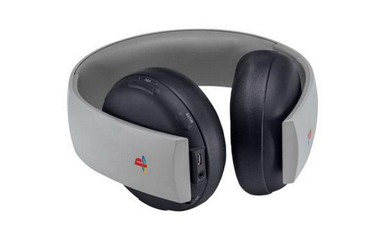 Sony-playstation-4-anniversaire-anniversary-edition-csaque-audio-Wireless-Stereo-Headset [750 x 492]
