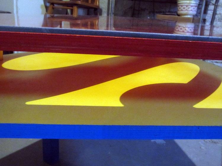 table-basse-superman-3d-apéritif-2 [750 x 562]