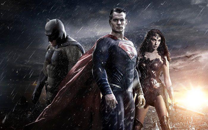 wonder-woman-in-batman-v-superman-aube-justice [700 x 437]