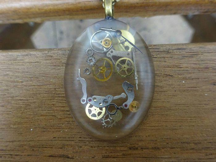 pendentif-steampunk-ovale [700 x 525]