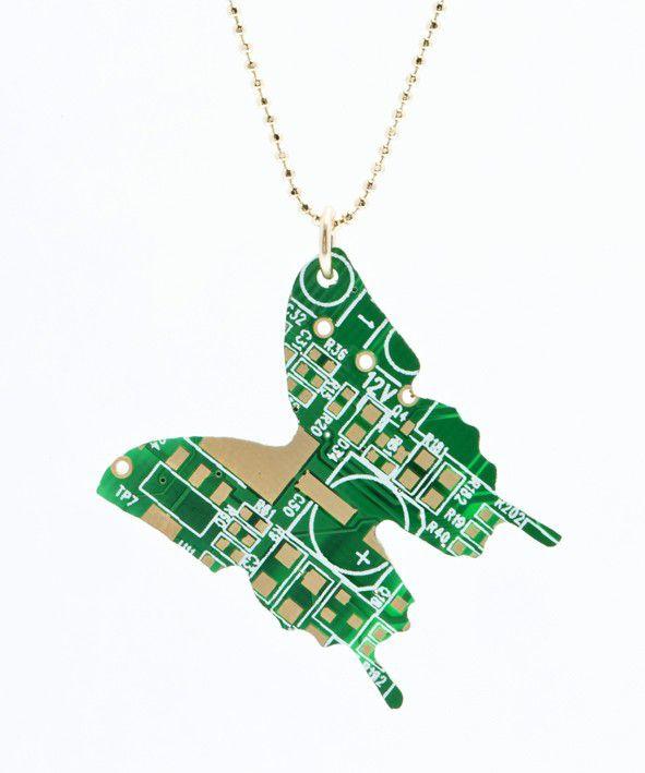 pendentif-circuit-imprime-ordinateur-papillon-2 [591 x 709]