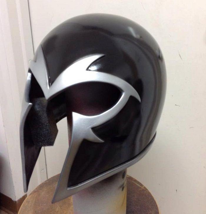 casque-magneto-cosplay-noir [700 x 726]