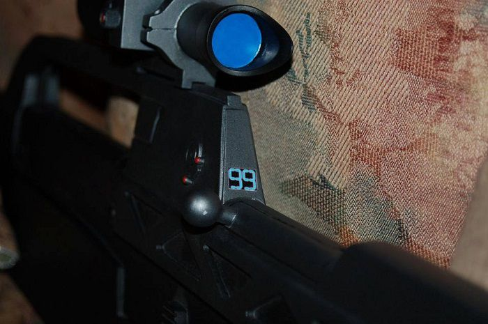 fusil-assaut-halo-5-USNC-spatan-replique-cosplay-4 [700 x 465]