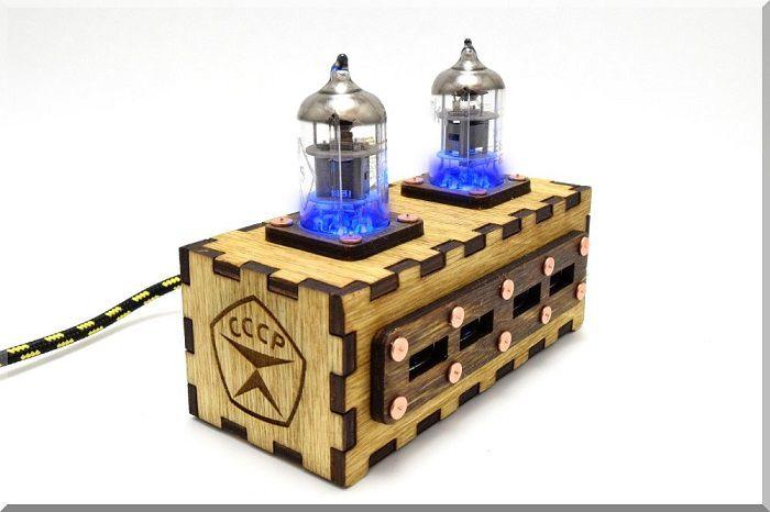 hub-usb-steampunk-double-tube-pentode-4-ports-2 [700 x 466]
